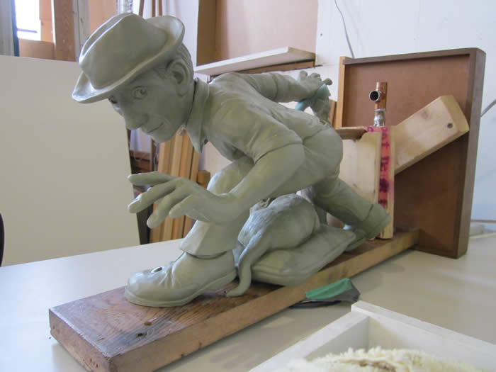 michaelabrahamsculptureinprogresstheclayoriginal